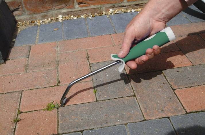 How to clean brick pavers | remove weeds